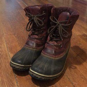 Sorel burgundy leather waterproof snow boots sz 9